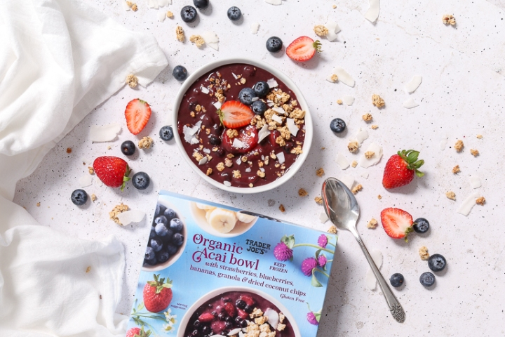 Açaí Bowl: Raw Thoughts About Trader Joe's Frozen Premade SmoothieBowl